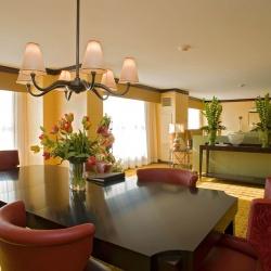 Marriott-Guest-Suite.jpg